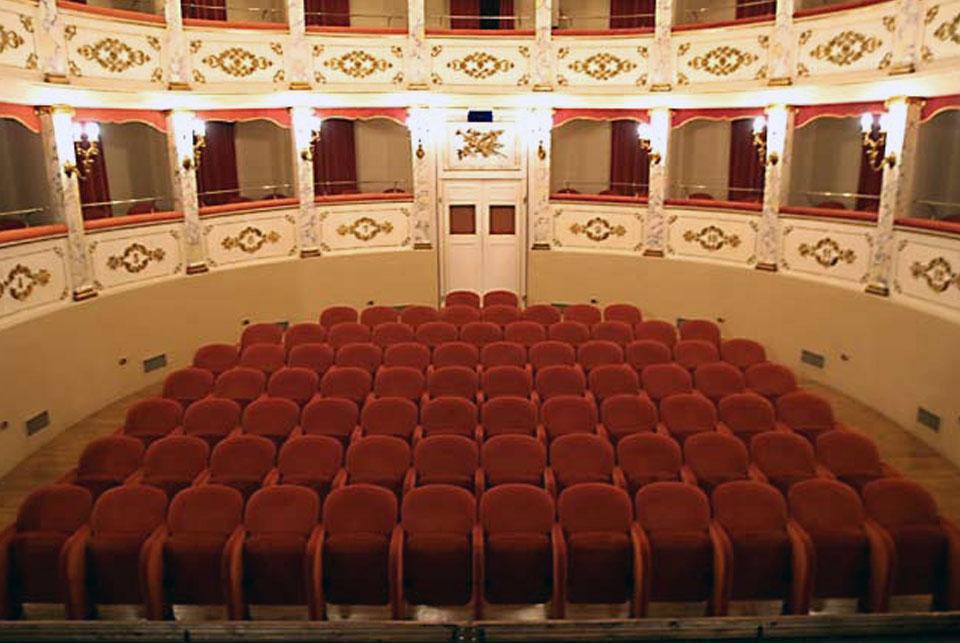 on sale 24927 f7390 Teatro